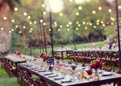 garden-wedding-ideas-or-how-about-red-themed-wedding-ideas-backyard-night-wedding-ideas